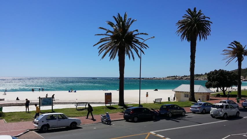 Walk to beach & restaurants