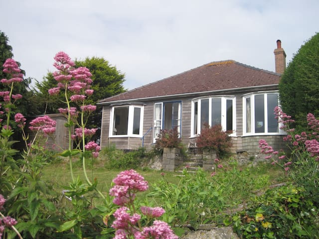 Comfy cottage with sea views , Freshwater East - Pembrokeshire - Bungalow