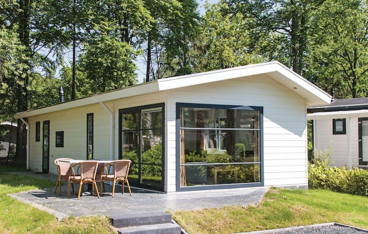 Holiday cottage with 3 bedrooms on 48 m² in Steenwijk-De Bult