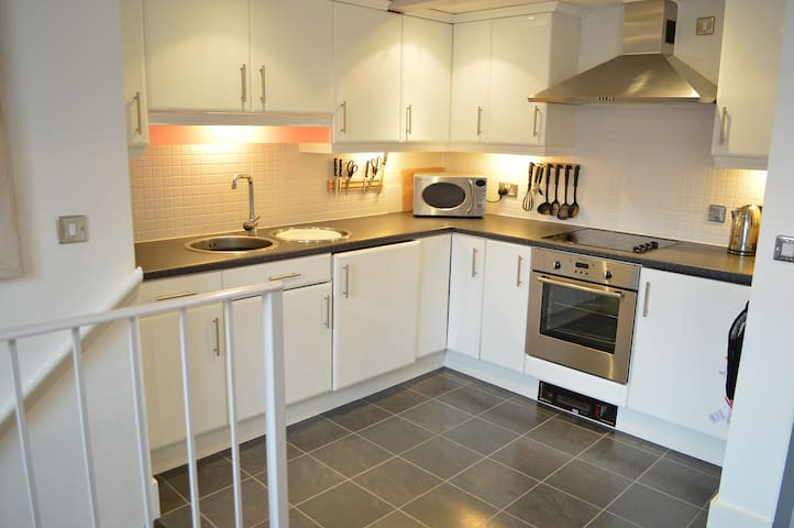The Mezzanine Apartment - Flats for Rent in Scarborough, United ...