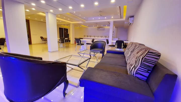House Party Space for Family and Couples, Gurgaon