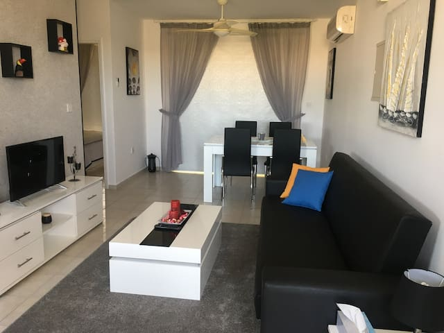 Modern comfortable 1 bedroom apartment