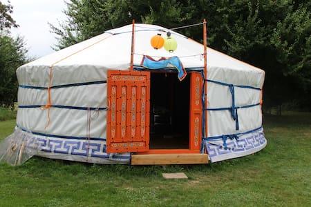 Sfeervolle rust in een authentieke yurt - Mont-et-Marré - Rundzelt