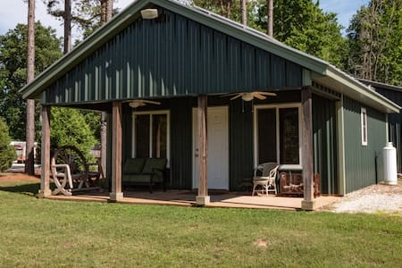 Farm Cottage on 400+ acres with Private Lake