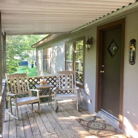 Authentic Country Comfort near Bryson / Cherokee