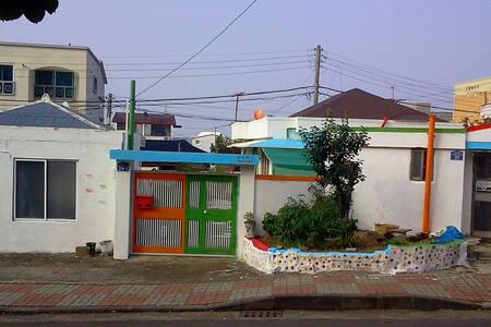 Sharehouse Sky Jeju - Ara-dong, Jeju-si - House