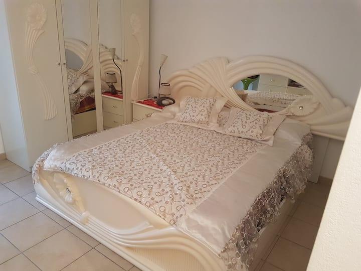 belle chambre en plein centre de Marseille