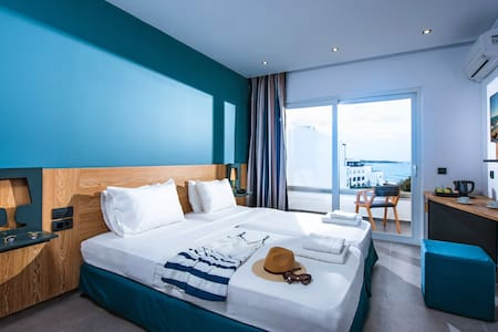 Infinity Blue Boutique Hotel & Spa - Chersonisos - Bed & Breakfast