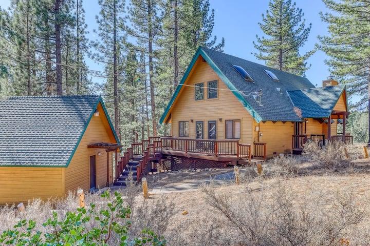 New listing! Beautiful mountain getaway close to skiing & hiking - Dogs ok!