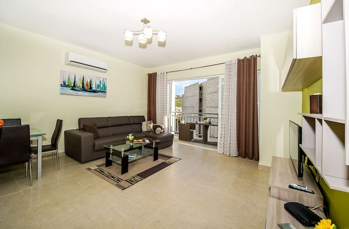 The Hillock Residences F4