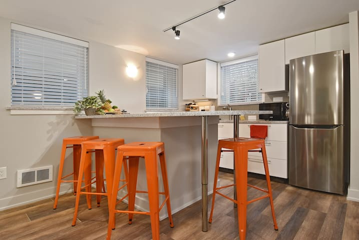Bryant Bungalow Apartment