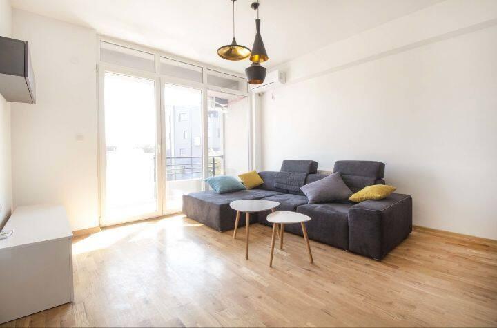 Brand new Quiet Bohemian Quarter Apartment