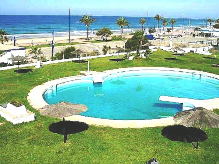 Apartamento en primera linea. Playa La Barrosa