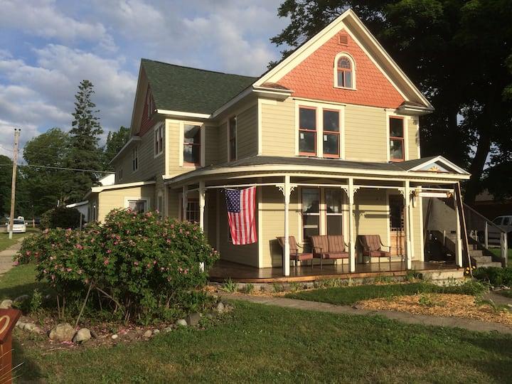 "Historic ""Green Shingles Inn"""