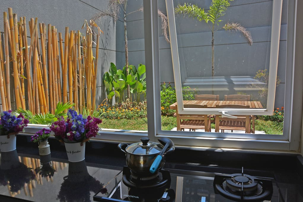 2nd floor - cooking with garden view and outdoor dining option