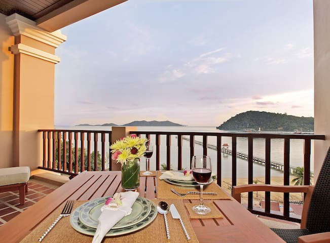Panoramic Seaview One Bedroom Apartment
