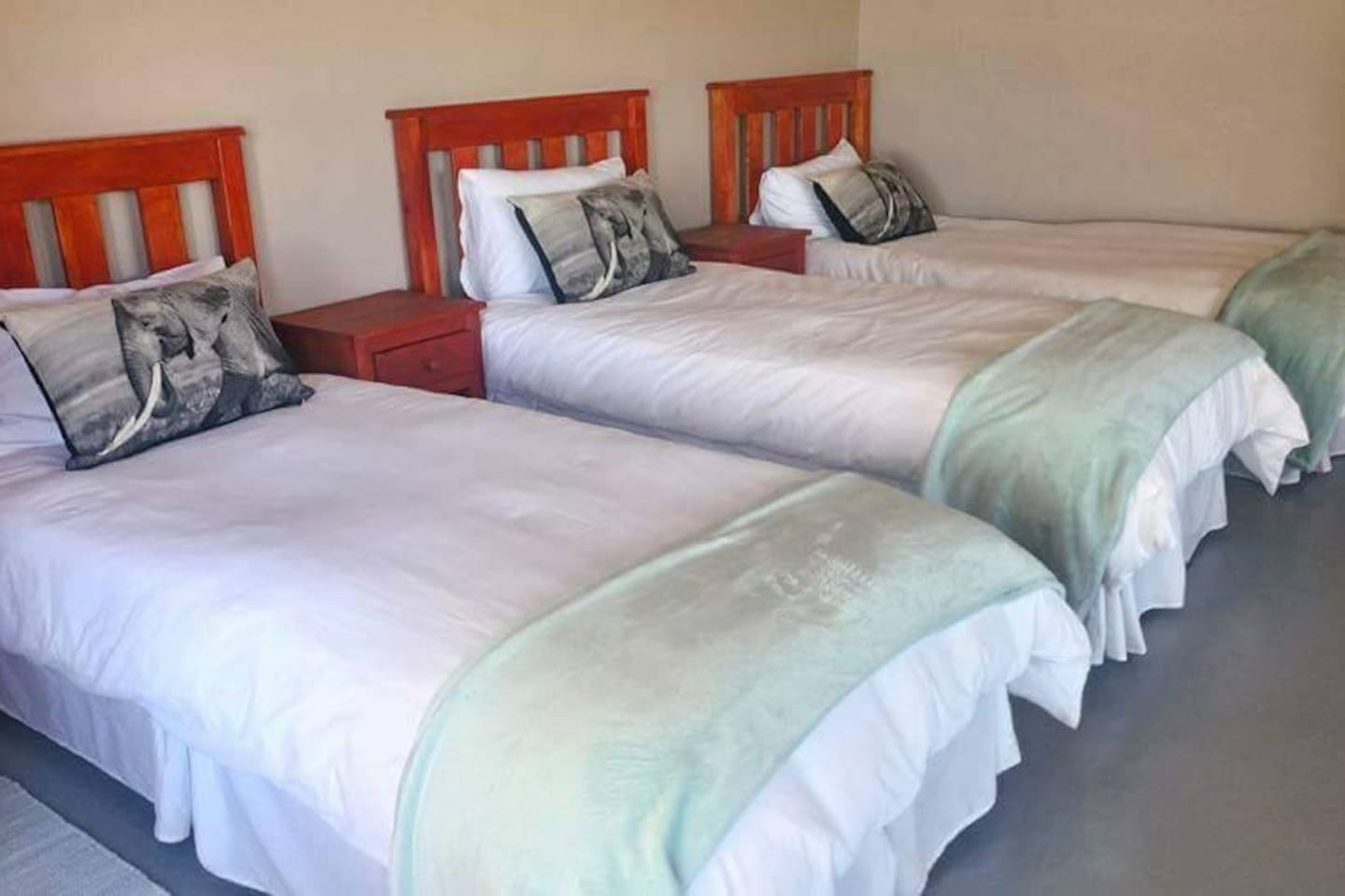 Lovely Couple In Bed Lying In Bedroom Top 20 Addo Vacation Rentals Vacation Homes Condo Rentals