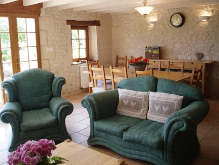 La Grange open-plan living-areA