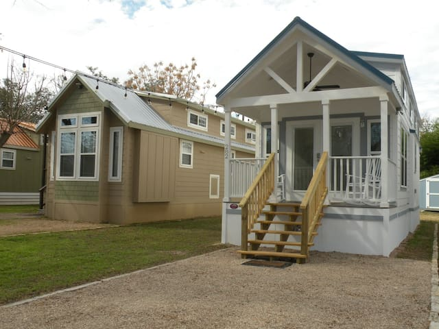 Brand New!  Beautiful Cabin by San Marcos River!