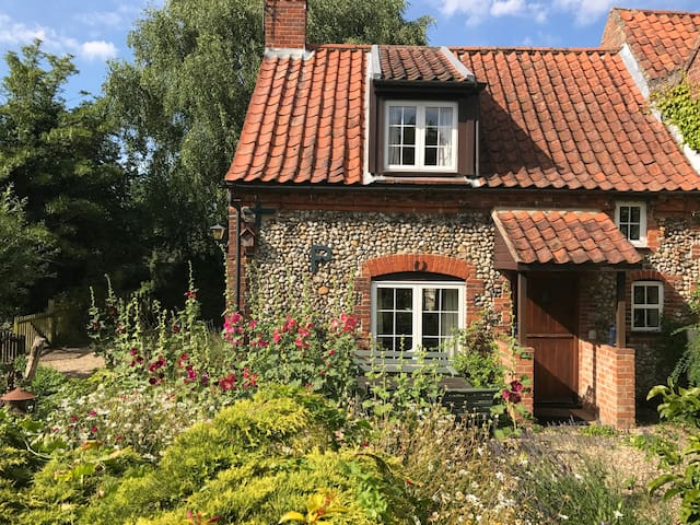 Pudding Cottage - Charming and cosy - Dog friendly