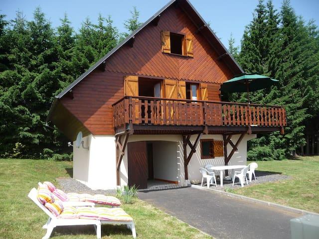 chalet besse en Auvergne rando lacs vtt montagne