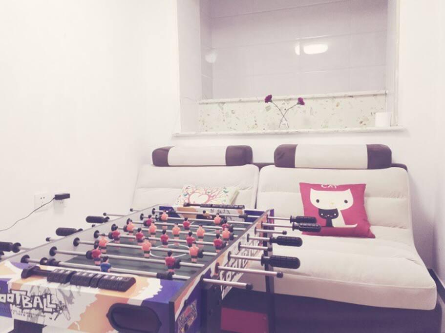 桌上足球+沙发(可睡觉)
