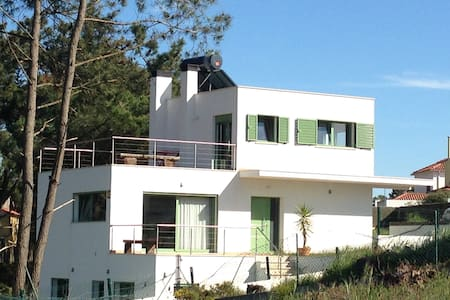 Villa 6-8 pers. 480 m of the beach,  30km Lisbon