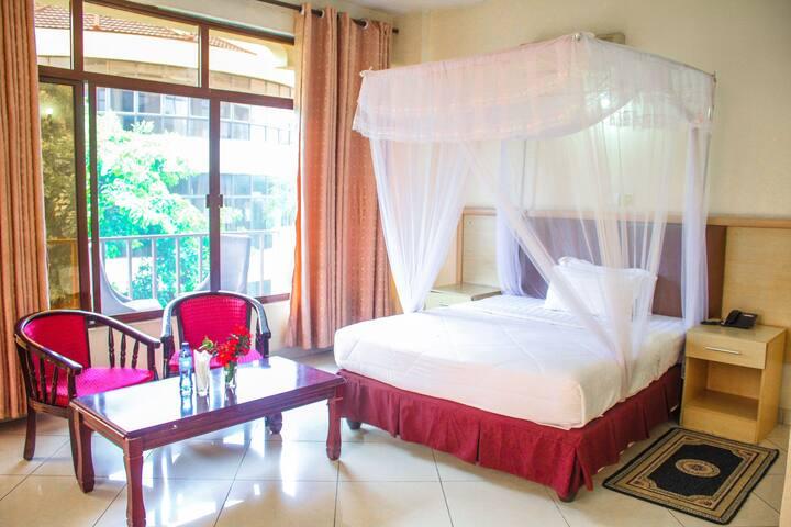 LANDMARK HOTEL DELUXE ROOM