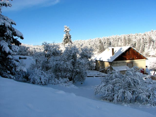 Bed and breakfast in Jura mountains