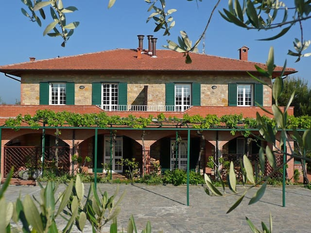 Casa Rondini, ground floor apartment, organic farm
