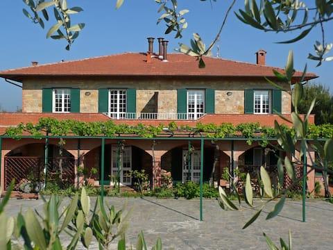 Casa Rondini, gelijkvloers appartement, biologische boerderij