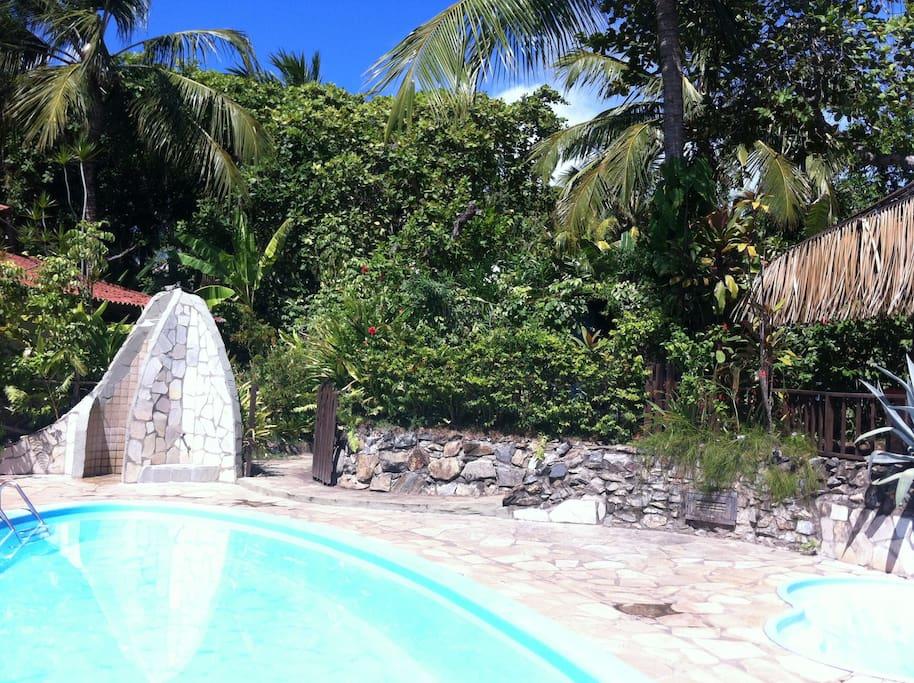 Shared Swimming pool/Piscine/Piscina compartilhada