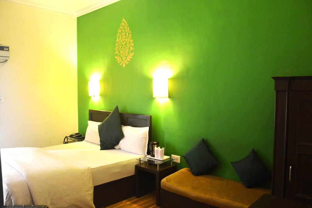 Guest Room - Green
