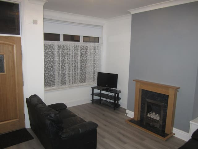 Newly Refurbished 4 Bed House in LS13 Bramley