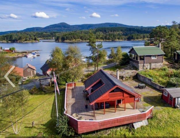 Koselig hytte ved sjøen, nær Bergen