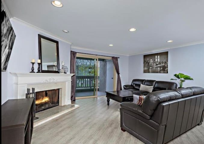 Fabulous space close to all SD Artractions.