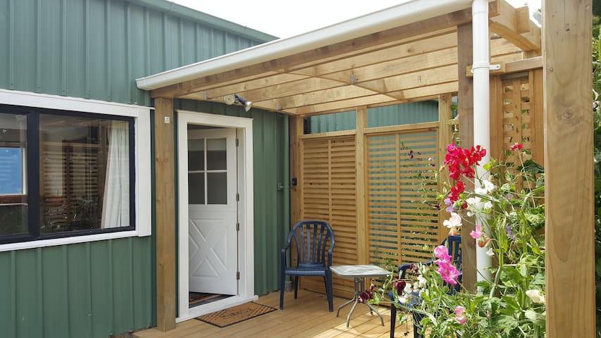 Beekeeper's Cottage - Hamurana - Alpstuga