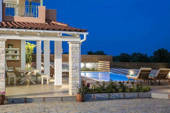 Private Sunshine Villa kefalonia