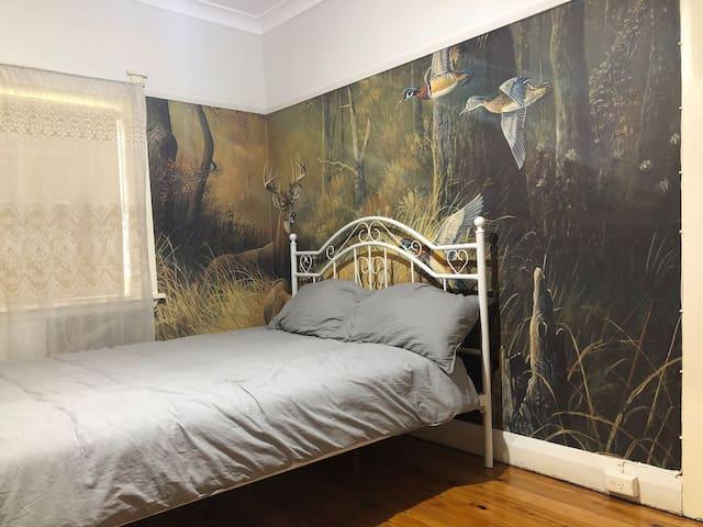 《袋鼠睡觉的地方》,八分钟步行火车站及悉尼著名的burwood 美食城
