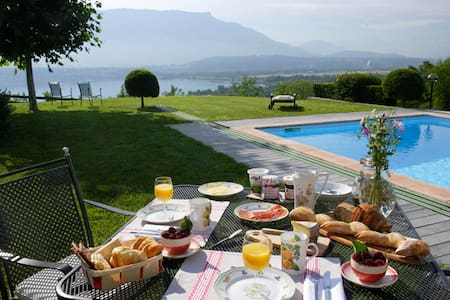 Les balcons du Lac: suite mauve, 2 ch. + SDB + WC - Bed & Breakfast