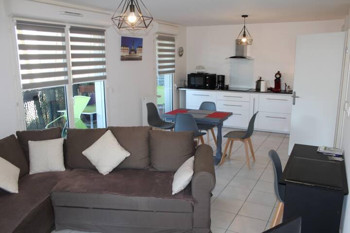 Bel appartement face à Bordeaux Plage