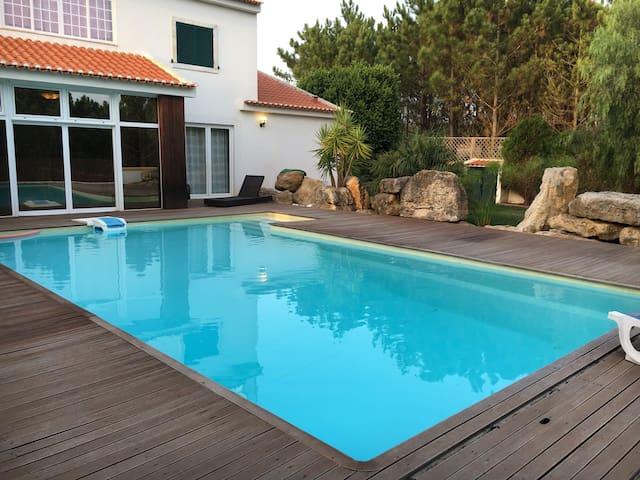 Casa c/piscina junto a campo real - Turcifal
