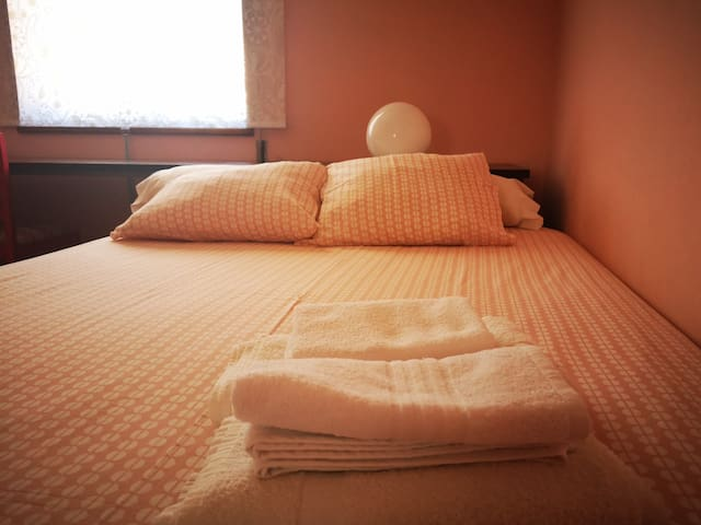 Cozy Room in Póvoa Center 5min from the Beach