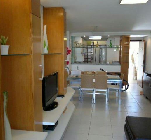 Apartamento Alto Padrão, 4/4 c/ 2 suítes mobiliado