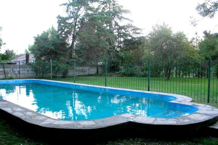 Casa quinta con piscina en Cañuelas.