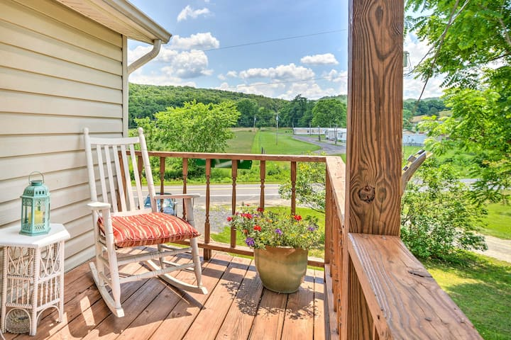 NEW-Rural Home w/Deck+Fire Pit <2 Mi to Smoke Hole