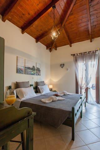 Kyriaki's cozy apartment #2 at Ag.Marina - Agia Marina - Pis
