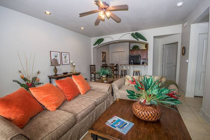 One Club 3706 - Newly Updated 2BR Steps Away from Golf and Short Drive to the Beach!