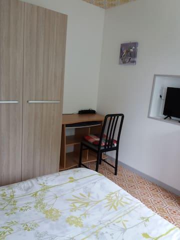 chambre 1 coté bureau