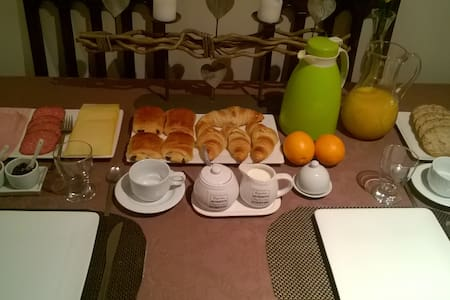 Room with breakfast in Roeselare